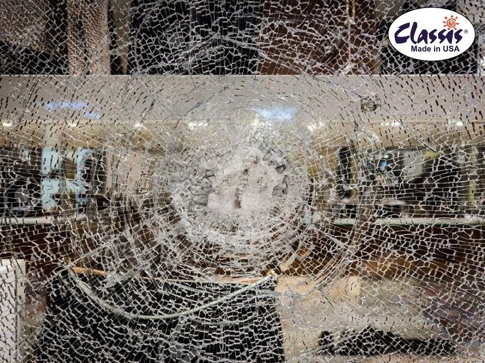 dán phim an toàn kính bảo vệ cửa kính (2)